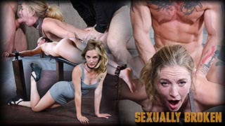 Sexy Pale and Slim Mona Wales Gets Pounded By Two Cocks in Fighter Jet Position!